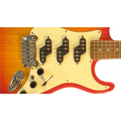 G&L COMANCHE Semi-Hollow (Cherryburst. 3-ply Creme, rosewood). № CLF51363. Made in USA
